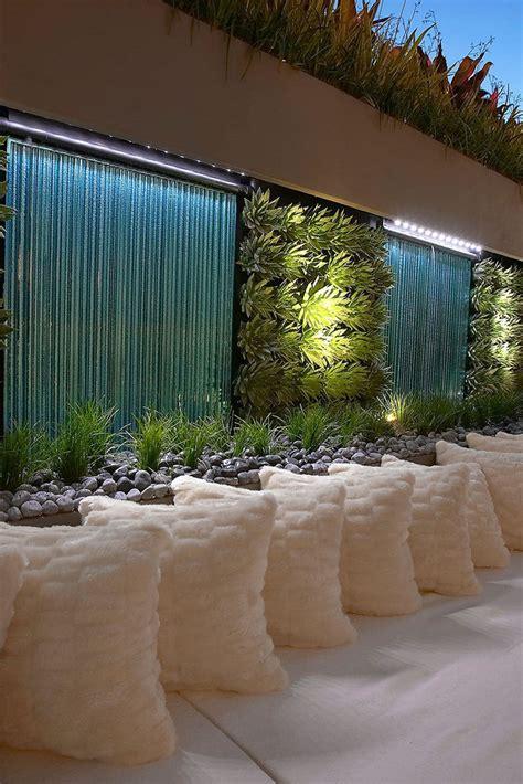 un cour de cuisine des murs d 39 eau pour un extérieur exceptionnel floriane