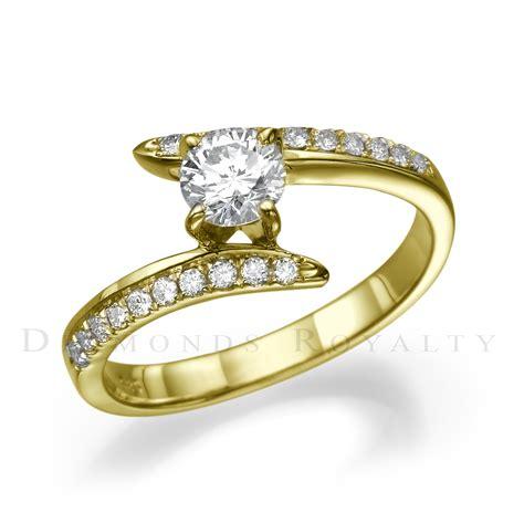 Si1 Round Diamond Ring 14 Karat Yellow Gold Ladies 07. Halo Rings. Enameled Pendant. Giant Engagement Rings. Dog Bracelet