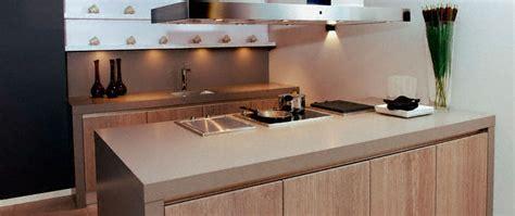 ceramique cuisine cuisine plan de travail en îlot de cuisine classique