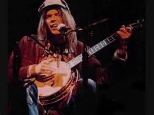 Neil Young - Human Highway (on Banjo, Live: 1976) - YouTube