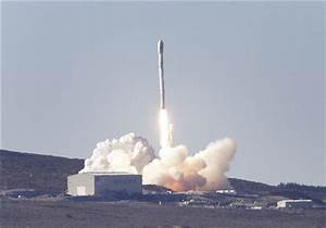 SpaceX launches Canadian satellite from California (Update 2)