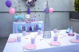 Decoration Licorne Chambre : l 39 anniversaire licorne de louise 9 ans babayaga magazine ~ Teatrodelosmanantiales.com Idées de Décoration