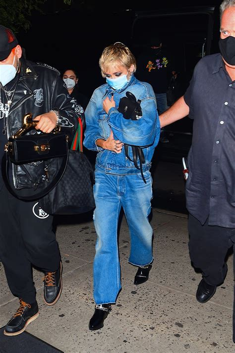 Hailey Bieber, Miley Cyrus and Emma Roberts Wore Denim on ...