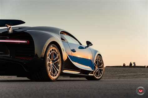 View details and collect the hot wheels '16 bugatti chiron racecar in black. Bugatti Chiron Tries On New Wheels For Size: Hot Or Not ...