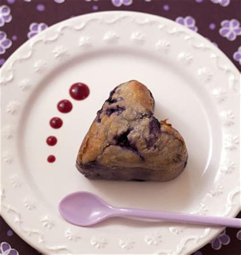 recette de dessert pour la valentin baba au rhum coeur aux myrtilles valentin les meilleures recettes de cuisine d 212 d 233 lices