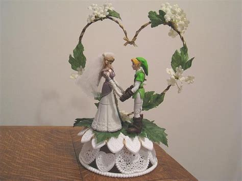 I Found 'legend Of Zelda Link & Zelda Wedding Cake Topper