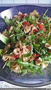 Grillen Fleisch Pro Person : italienischer nudelsalat mit rucola und getrockneten tomaten essen nudelsalat italienischer ~ Buech-reservation.com Haus und Dekorationen