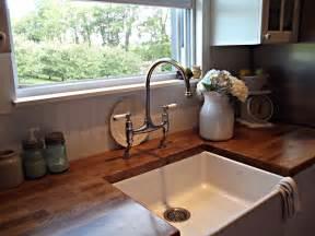 Farm House Style Sink rustic farmhouse a farm style sink