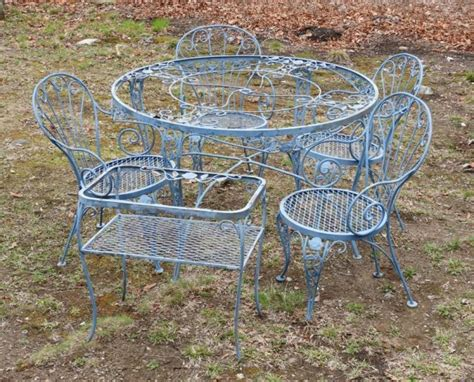 vintage wrought iron blue patio set
