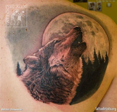 le top  des  beaux tatouages de lunes pour hommes