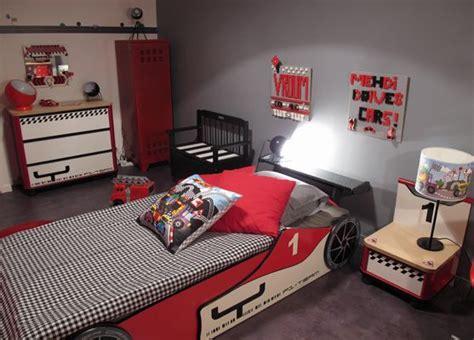 deco voiture de course chambre voiture de course d co levitte couleurs chambres tvs et d 233 co