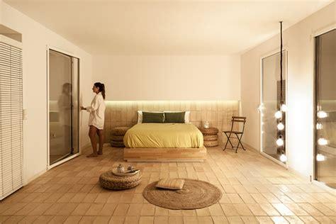 revêtement de sol chambre à coucher sol en naturelle beige pour un intérieur méditerranéen
