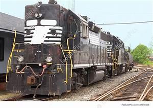 Diesel Train Engine Image