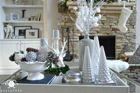 Decorate Coffee Table For Christmas