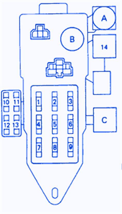 Toyota Pickup Main Fuse Box Block Circuit Breaker