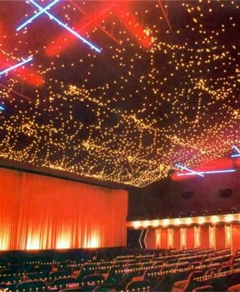 lichterkette mit heißkleber befestigen lichterkette an der decke befestigen glas pendelleuchte modern