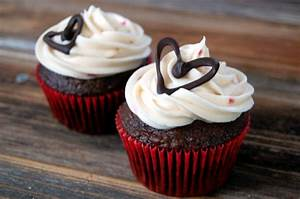 How To: Small Batch Cream Cheese Frosting + Chocolate