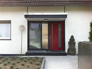 Vordach Haustür Mit Seitenteil : haust r axn5 mit seitenteil und briefkastenanlage ~ Buech-reservation.com Haus und Dekorationen