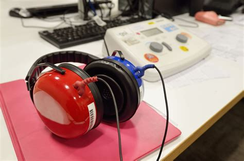 hearing test uncovers early hidden hearing loss