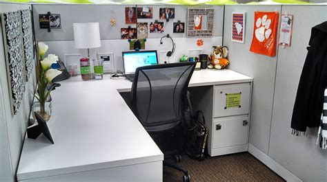 Cubicle Decoration Ideas For by Office Chic Cubicle Decor Carry On Style Business Chic