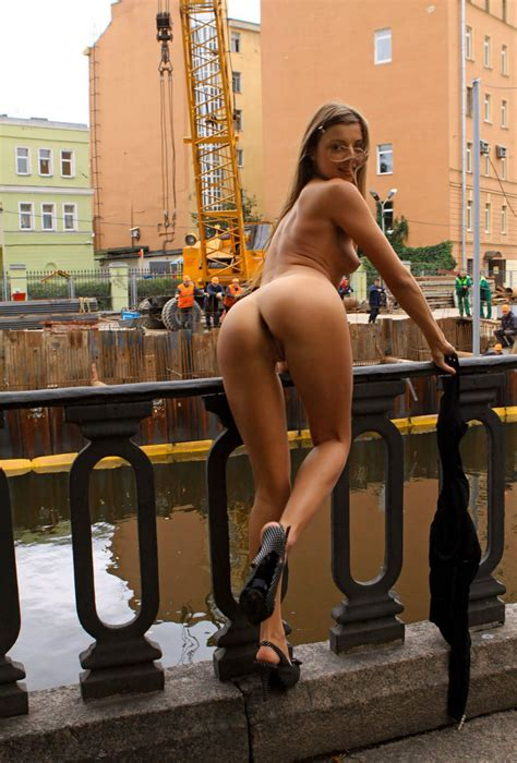 Sporty Russian Teen Loves To Walk Naked At Busy Streets Russian Sexy Girls