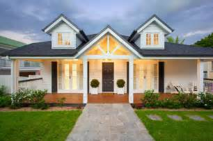 4 bedroom house plans one story hton queenslander style house style exterior