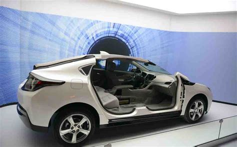 2018 Chevrolet Volt Premier Battery Capacity Specifications