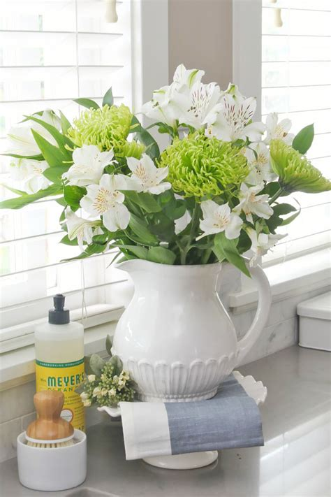 Make Cut Flowers Last Longer by How To Make Cut Flowers Last Longer Clean And Scentsible