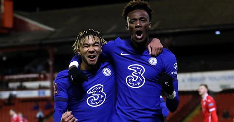 Gossip: Five in for Chelsea striker, Spurs rival Leeds for ...