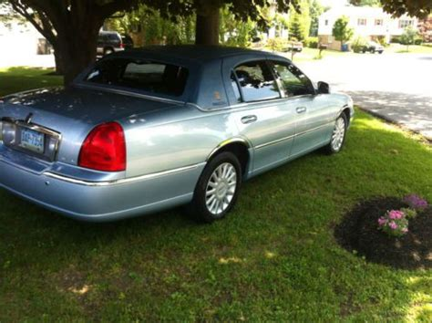 how to sell used cars 2005 lincoln town car head up display sell used 2005 lincoln town car signature florida beauty low miles presidential edition in