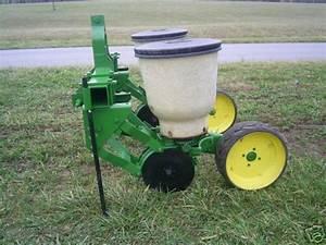 John Deere 2 Row Model 71 Planter