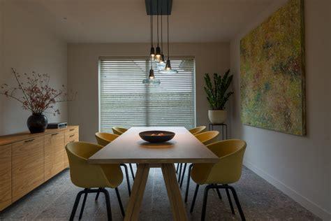 kleuren strak interieur strak landelijk interieur met kleuraccenten
