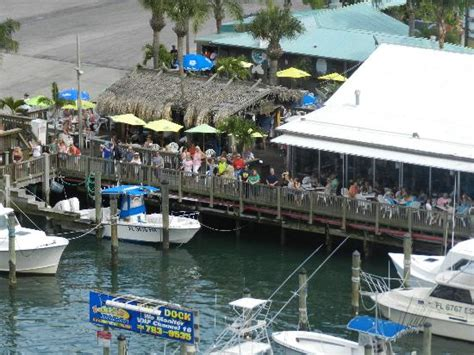 Grills Seafood Deck Tiki Bar Port Canaveral by Late Grills Atmopshere Foto Di Grills Seafood Deck