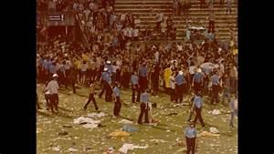 04  15-minute Break   U0026 39 Teenage Riot U0026 39