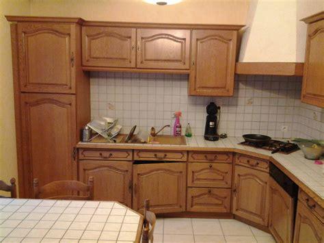 meuble de cuisine repeint rénover une cuisine comment repeindre une cuisine en