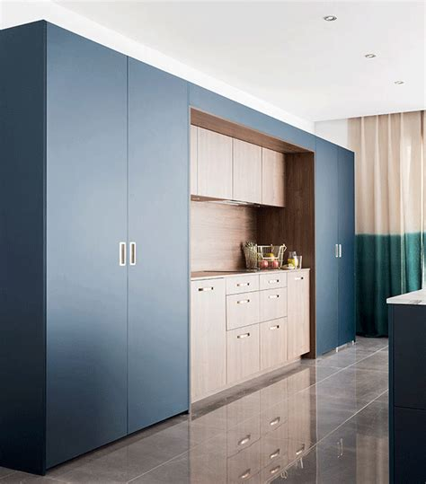 porte coulissante cuisine salon 7 solutions pour des cuisines ouvertes sur salon mobalpa