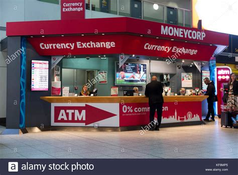 bureau de change bristol airport moneycorp stock photos moneycorp stock images alamy
