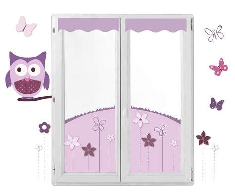 chambre bébé fille violet décor fenêtre chouette et papillon en lieu et place des
