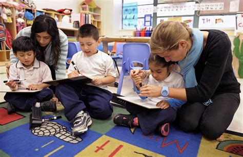 survey most seattle enrolled in pre k but not as 627   preschool kids with teacher reading