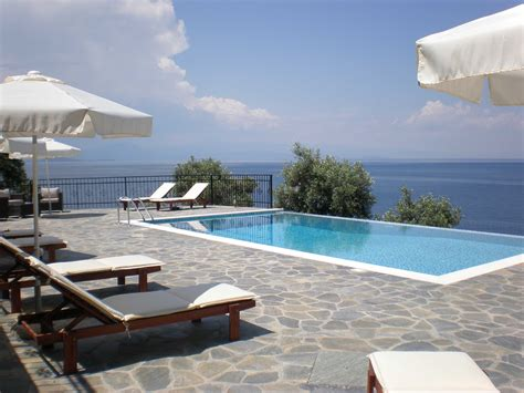 Pool : 28 Awesome Terrace Pool Ideas
