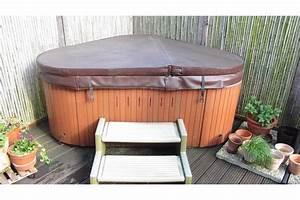 Whirlpool jacuzzi der firma armstark sundance model for Whirlpool garten mit frostschutz pflanzen balkon