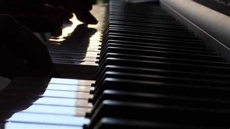 Impro piano - YouTube