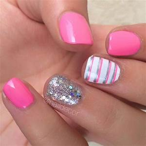 Pink nail designs on grey red