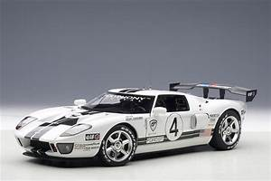 Lm Automobile : autoart ford gt lm spec ii race car 4 80515 in 1 18 scale mdiecast ~ Gottalentnigeria.com Avis de Voitures