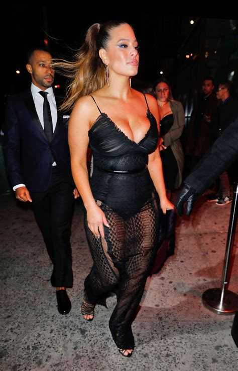 ashley graham arrives  americas  top model party