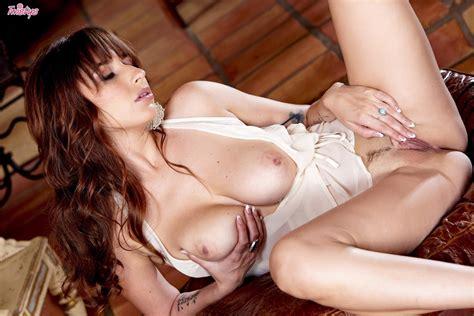 Shay Laren Enjoys Pushing Her Fingers Inside Her Pussy