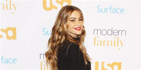 sofia vergara facebook sofia vergara wears leather pants for modern family event