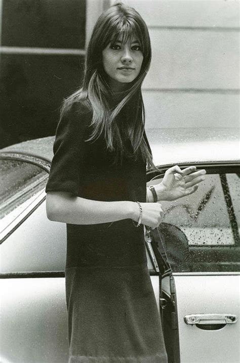 When i stumbled across a photo of françoise hardy on pinterest, i developed a serious style crush. Habitually Chic® » Fabulous Françoise