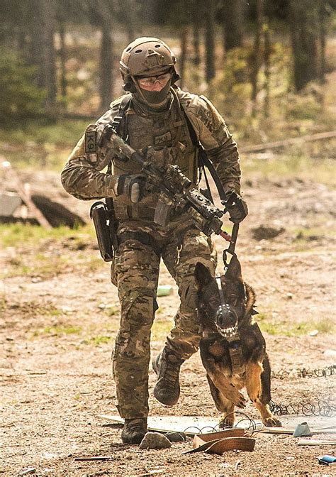 Norwegian FSK/NORASOC soldier during counter-terrorism ...