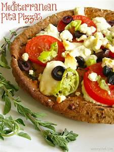 Mediterranean Pita Pizzas - The Weary Chef